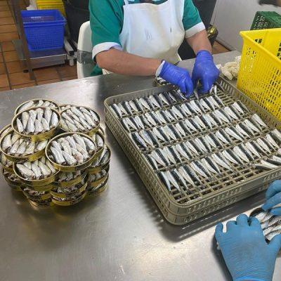 Préparation des sardines - Los Peperetes - Nouvelle Vague l'épicerie de la pêche à Bordeaux